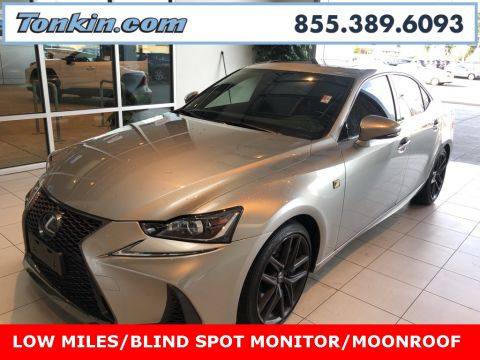Pre-Owned 2017 Lexus IS 200t